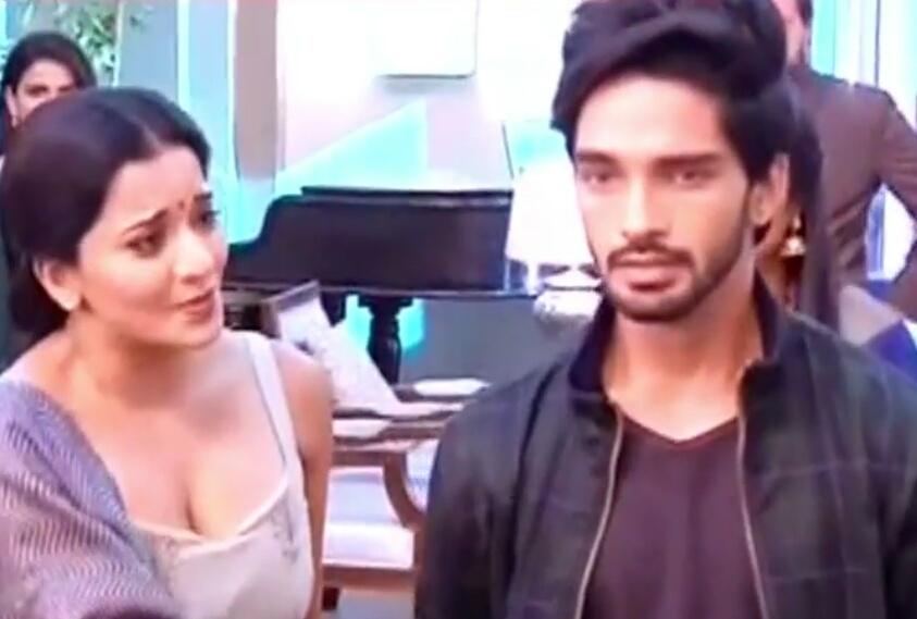 Nazar: Ansh chooses daivik Pia defeating mother dayaan Mohana