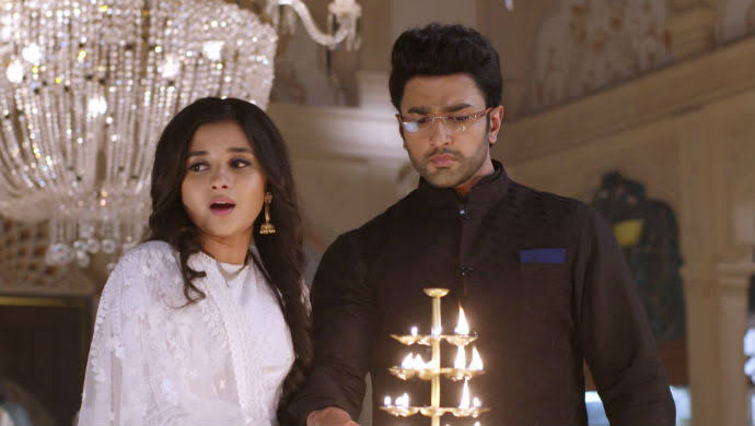 Guddan Tumse Na Ho Payega: Akshat joins hands with Guddan against Antara