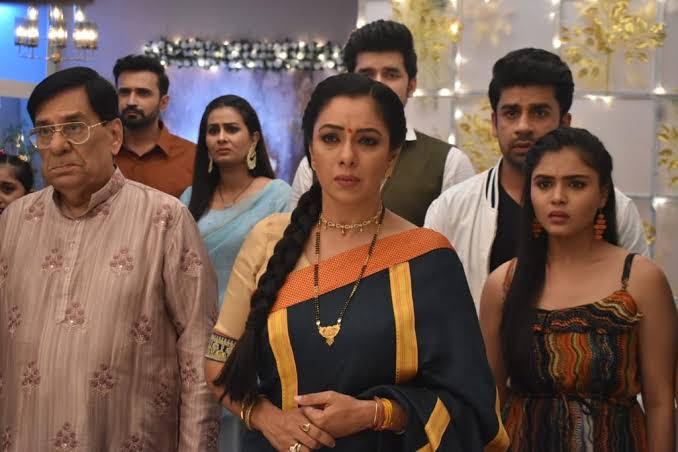 Anupamaa: Anupama's new avatar turns caretaker of Shah family Vanraj in  jeopardy