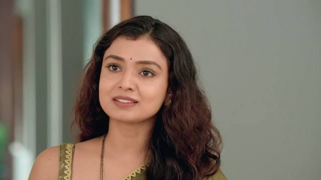 Imlie: Malini motives Imlie to join college continue studies
